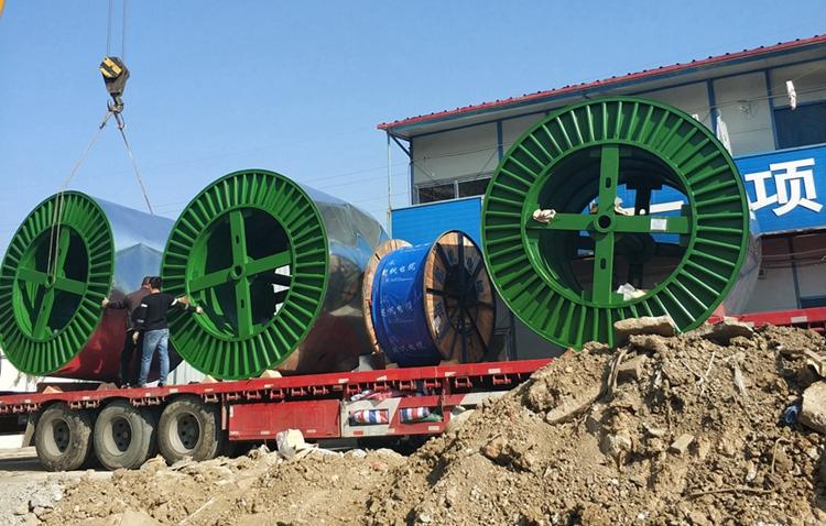 超高压电缆工地敷设